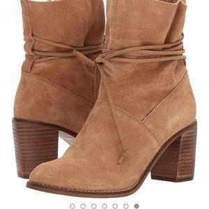 Shoes - Toms Mila boots